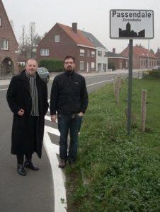 """Med den uundværlige Mads Thernøe i Flandern 2008 (fotoet er taget af """"den tredie musketer"""", Thomas Tram Petersen)."""